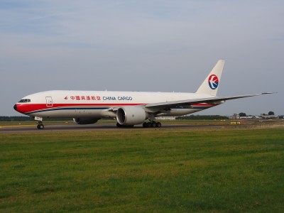 B-2076 China Cargo Airlines Boeing 777-F6N - cn 37711, taxiing 22july2013 pic-006