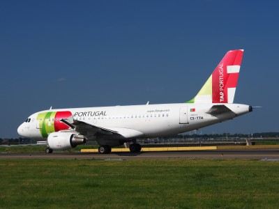 CS-TTH TAP - Air Portugal Airbus A319-111 - cn 917 taxiing 18july2013 pic-006
