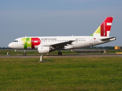 CS-TTI TAP - Air Portugal Airbus A319-111 - cn 933, taxiing 22july2013 pic-005