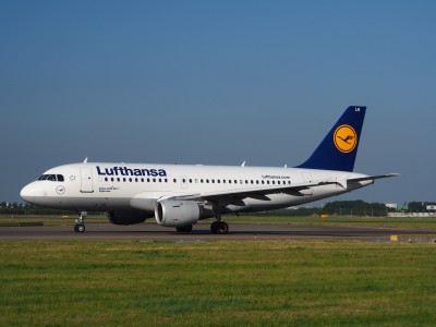 D-AILR Lufthansa Airbus A319-114 - cn 723 taxiing 15july2013 pic-001