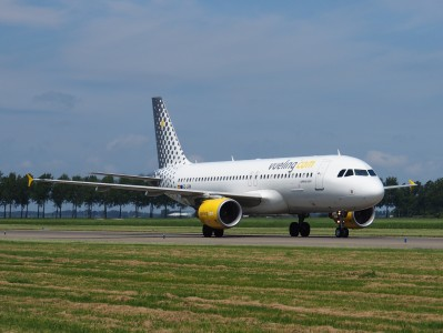 EC-LRN Vueling Airbus A320-214 - cn 3995 pic1