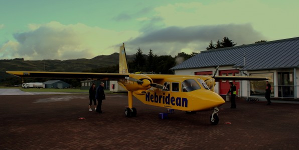 HEBRIDEAN AIR SERVICES BN2B ISLANDER G-HEBO AT OBAN OPERATING FLIGHT 301 TO CONALSAY WEST SCOTLAND SEP 2013 (9686371292)