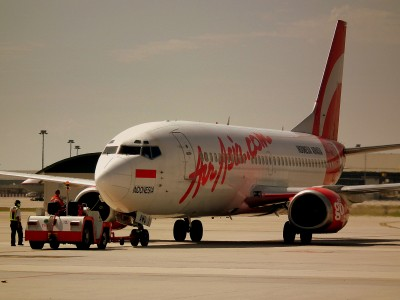 INDONESIA AIR ASIA BOEING 737-300 PK-AWD AT LCCT KUALA LUMPUR INTERNATIONAL AIRPORT MALAYSIA OCT 2010 (6855179804)