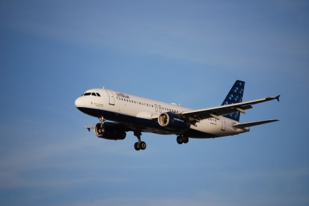 JetBlue A320 at SJC, summer solstice,