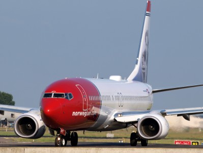 LN-DYT Norwegian Air Shuttle Boeing 737-8JP(WL) - cn 39048 taxiing 15july2013 pic-001