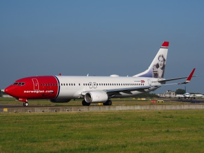 LN-DYT Norwegian Air Shuttle Boeing 737-8JP(WL) - cn 39048 taxiing 15july2013 pic-002