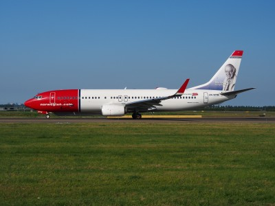LN-DYW Norwegian Air Shuttle Boeing 737-8JP(WL) - cn 39010 taxiing 18july2013 pic-005