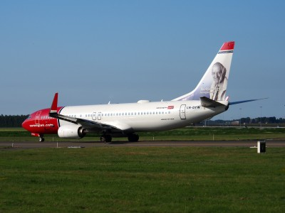LN-DYW Norwegian Air Shuttle Boeing 737-8JP(WL) - cn 39010 taxiing 18july2013 pic-006