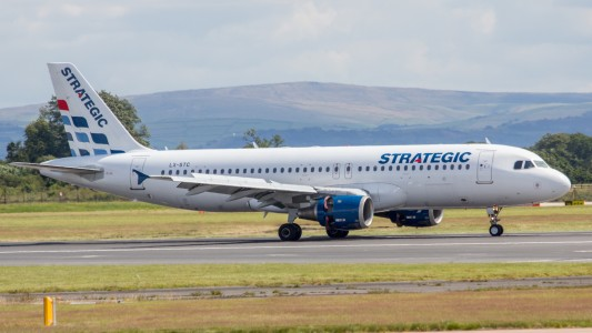 LX-STC Strategic Airlines A320 (9594051134)