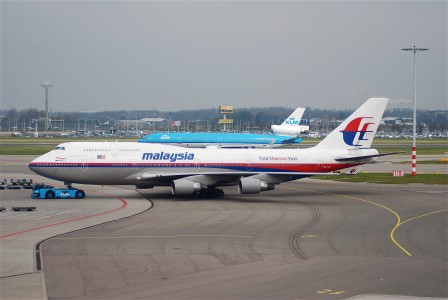 Malaysia Airlines Boeing 747-4H6, 9M-MPI@AMS,19.04.2008-508gc - Flickr - Aero Icarus