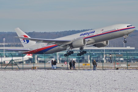 Malaysia Airlines Boeing 777-2H6ER, 9M-MRH@ZRH,28.01.2007-449bc - Flickr - Aero Icarus