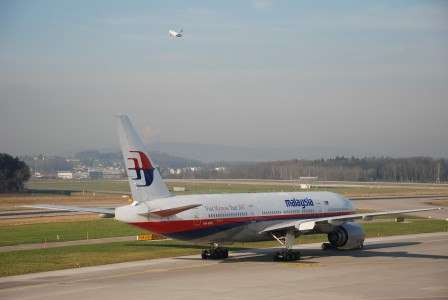 Malaysia Airlines Boeing 777-2H6ER; 9M-MRQ@ZRH;13.12.2006 440ci (4277659628)