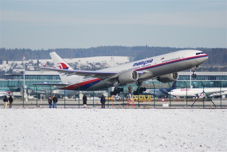 Malaysia Airlines Boeing 777, 9M-MRH@ZRH,28.01.2007-449ba - Flickr - Aero Icarus