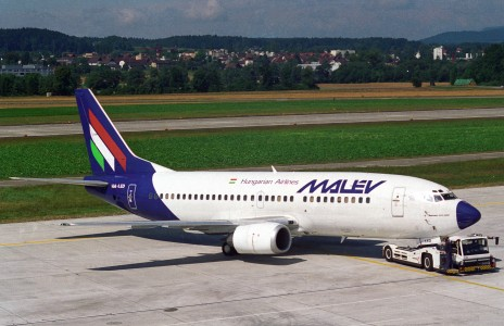 MALEV Hungarian Airlines Boeing 737-300; HA-LED@ZRH;11.08.1994 (4847594725)