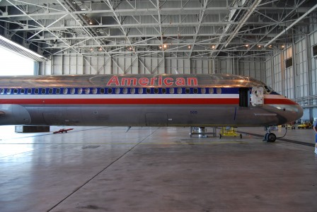 McDonnell Douglas MD-80, American Airlines; DFW; Nose and forward fuselage (2734230345) (3)