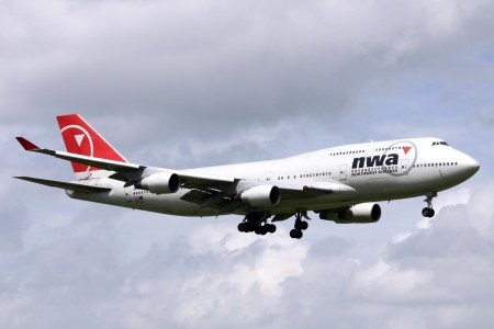 Northwest B747-400(N663US) (3881493330)