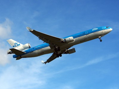 PH-KCK KLM Royal Dutch Airlines McDonnell Douglas MD-11 take-off pic2