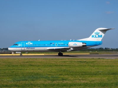 PH-KZH KLM Cityhopper Fokker F70 - cn 11583 taxiing 18july2013 pic-002