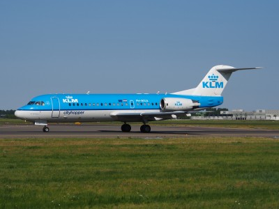 PH-WXA KLM Cityhopper Fokker F70 - cn 11570 taxiing 21july2013 pic-003