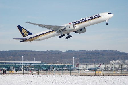 Singapore Airlines Boeing 777-300, 9V-SWG@ZRH,28.01.2007-449br - Flickr - Aero Icarus
