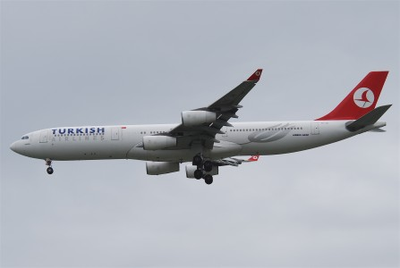 Turkish Airlines Airbus A340-313X; TC-JII@BKK;30.07.2011 613kd (6042506350)