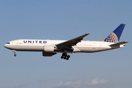 United Airlines B777-200ER(N782UA) (6782172003)