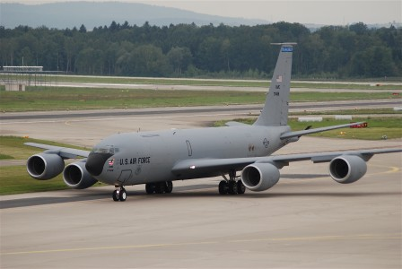 United States Air Force (USAF) Boeing KC-135R, 57-1488@ZRH,22.08.2008-527fh - Flickr - Aero Icarus