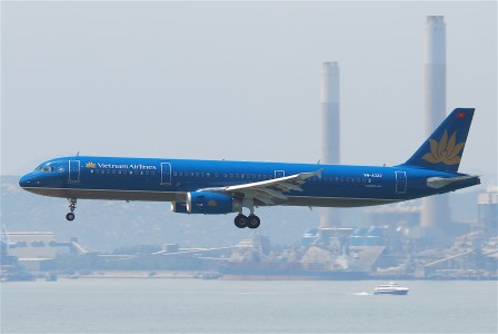 Vietnam Airlines Airbus A321-231; VN-A322@HKG;31.07.2011 614mp (6052678103)