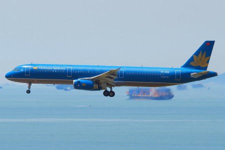 Vietnam Airlines Airbus A321-231; VN-A354@HKG;04.08.2011 615qo (6207473671)