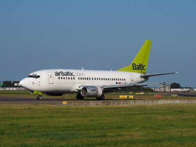 YL-BBE Air Baltic Boeing 737-53S - cn 29073 taxiing 18july2013 pic-003