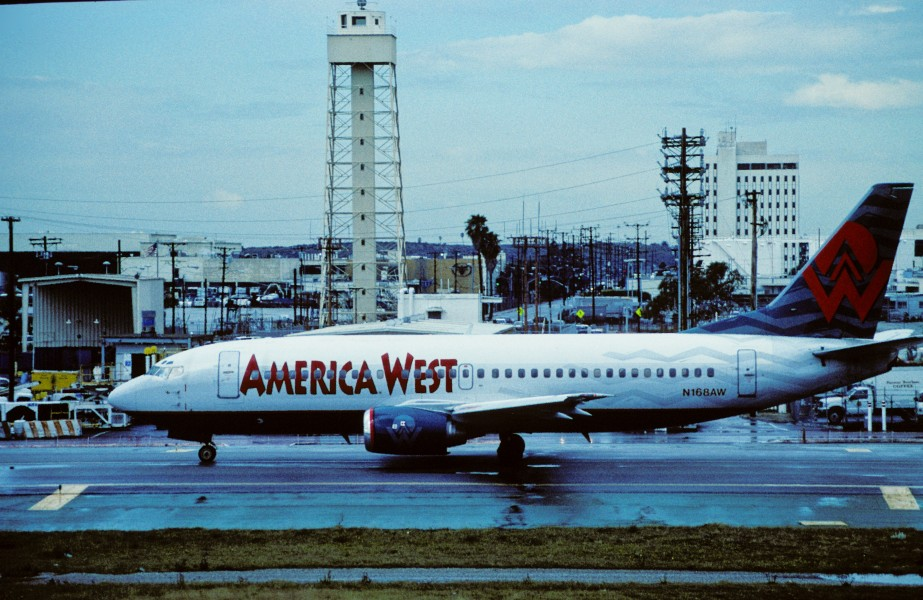 280ai - America West Airlines Boeing 737-300, N168AW@LAX,02.03.2004 - Flickr - Aero Icarus