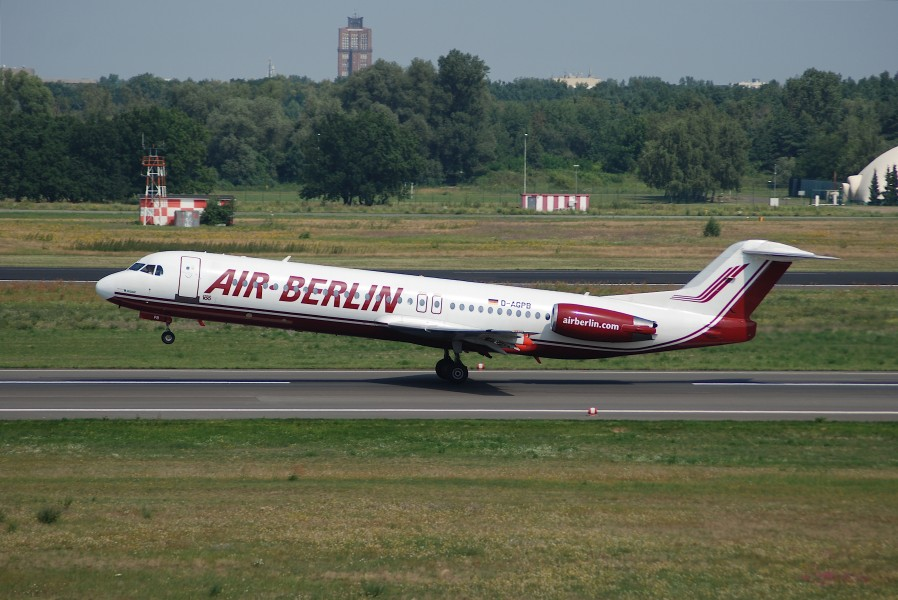 Air Berlin Fokker 100, D-AGPB@TXL,21.07.2007-480dp - Flickr - Aero Icarus