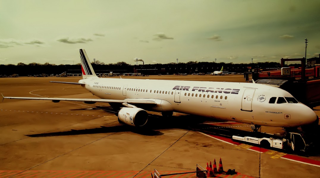 AIR FRANCE AIRBUS A321 AT BERLIN TEGAL FLUGHAFEN GERMANY APRIL 2012 (7100019025)
