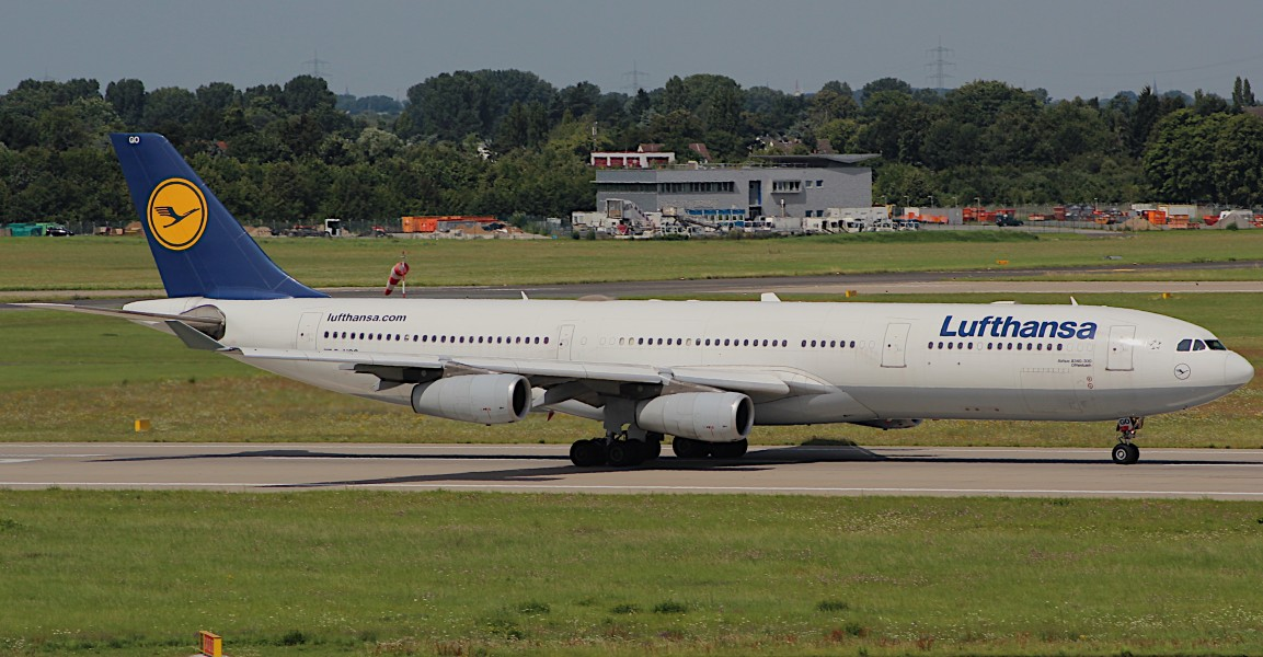 Airbus A340-300 (9346953620) (3)