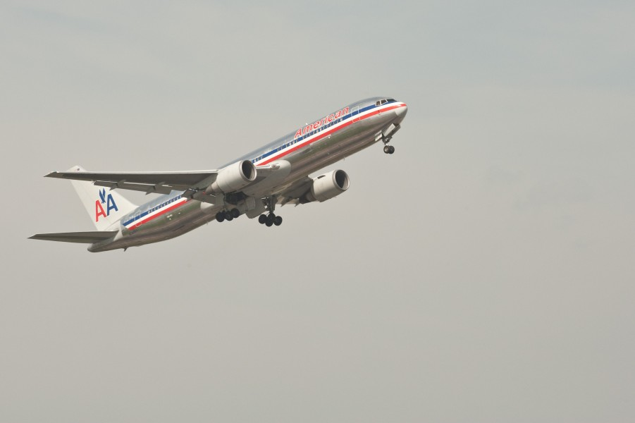 American Airlines - Boeing 767 - London Heathrow