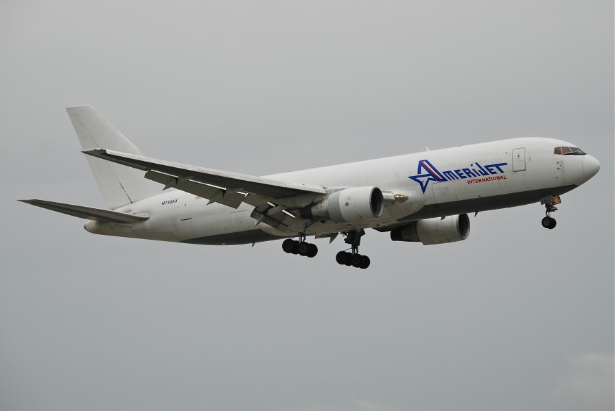 Amerijet International Boeing 767-200F; N739AX@MIA;17.10.2011 626nd (6698035645)
