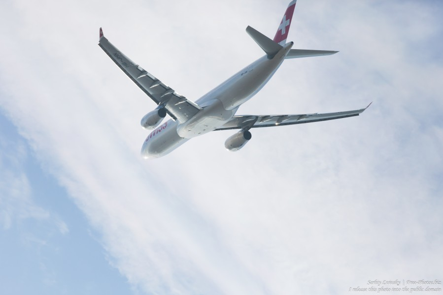 a Swiss Air Lines airplane near Zurich airport in December 2015 photographed by Serhiy Lvivsky, picture 15