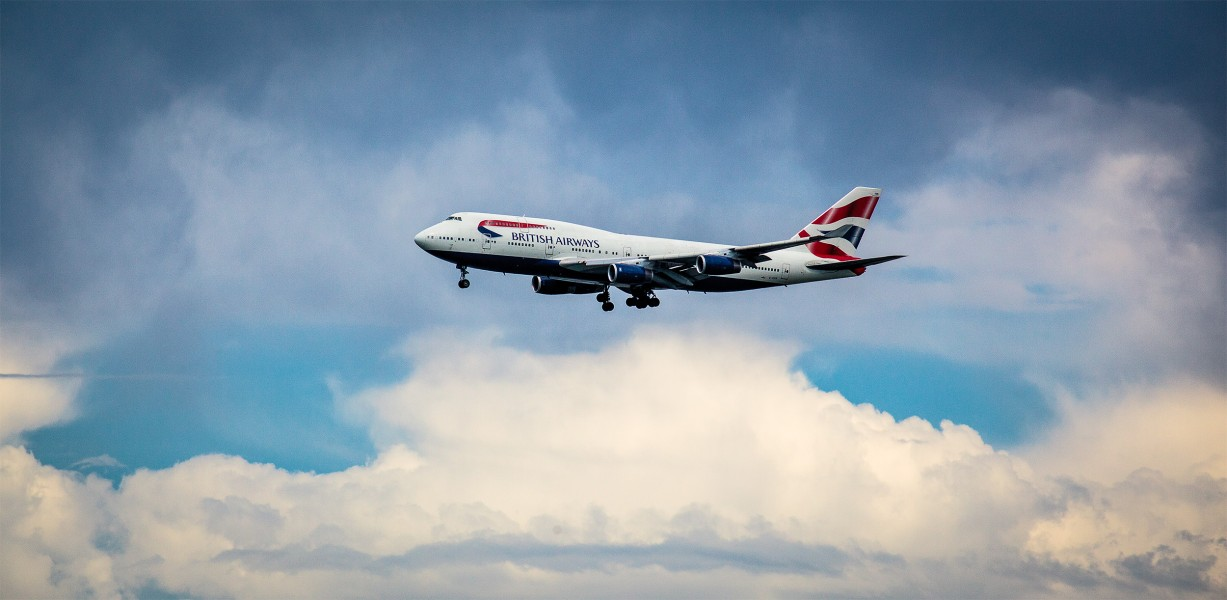 British Airways approaches SFO with a dramatic cloud backdrop (9661629348)