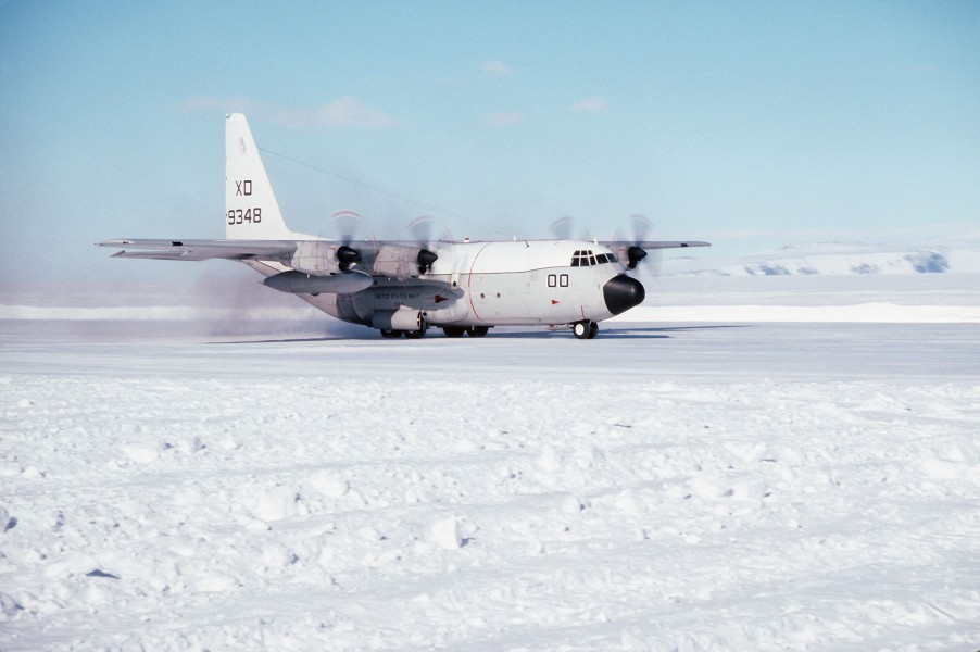 C-130T Hercules of VXE-6 landing at McMurdo Station 1994