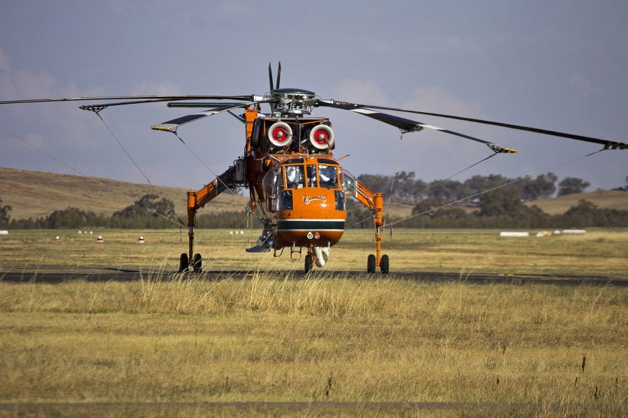 Erickson Air-Crane 'Camille' at Wagga Wagga Airport (2)