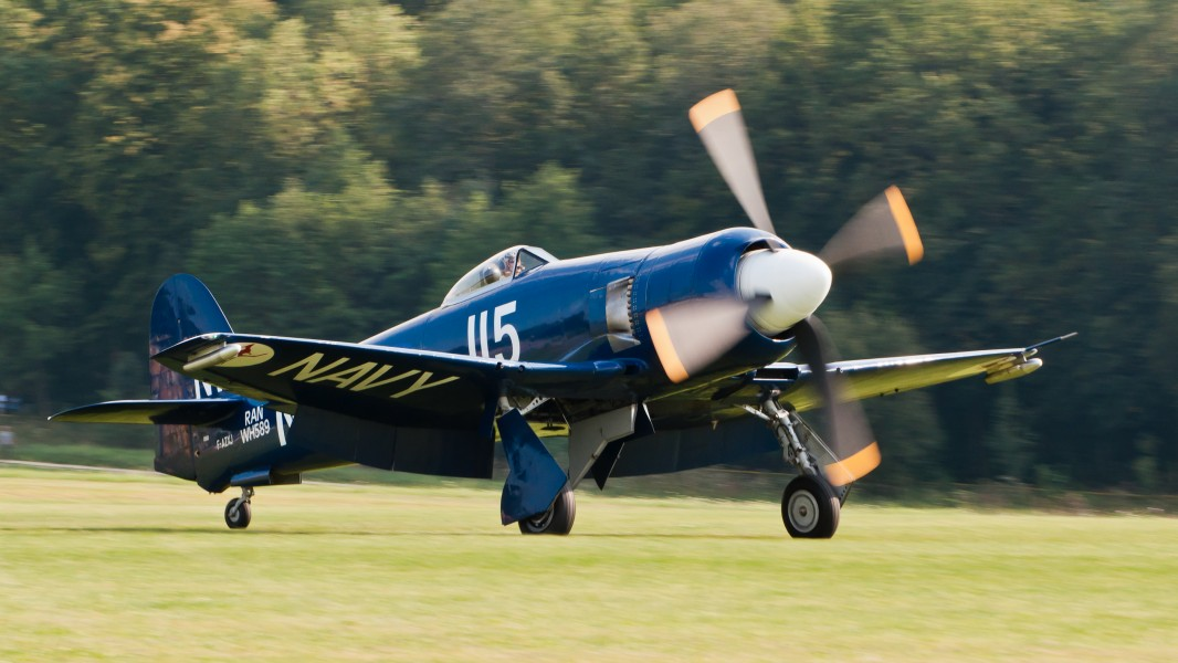 Hawker Sea Fury FB 10 F-AZXJ OTT 2013 01