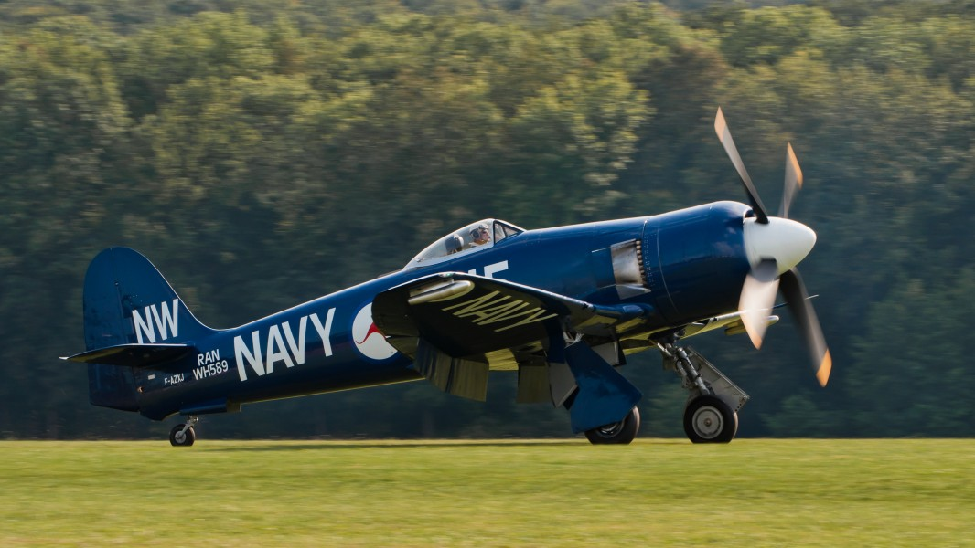 Hawker Sea Fury FB 10 F-AZXJ OTT 2013 02