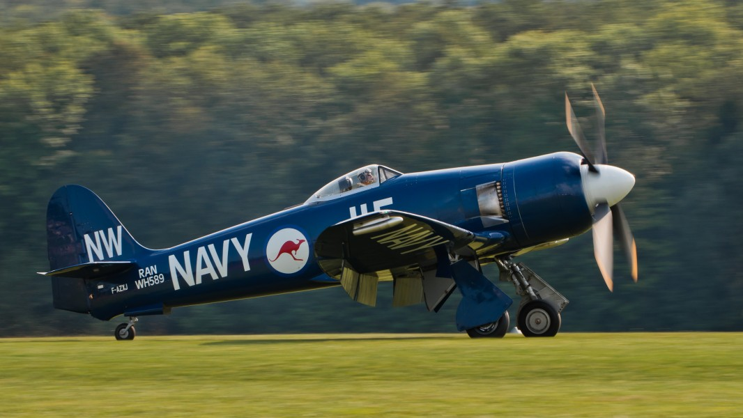 Hawker Sea Fury FB 10 F-AZXJ OTT 2013 03