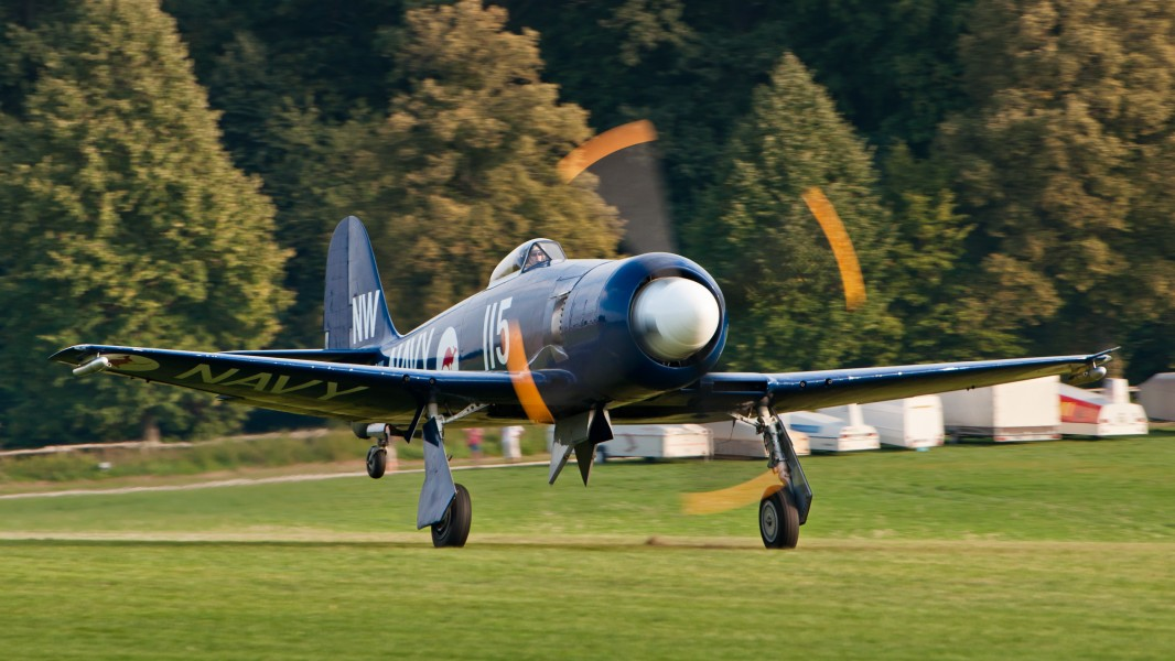 Hawker Sea Fury FB 10 F-AZXJ OTT 2013 07