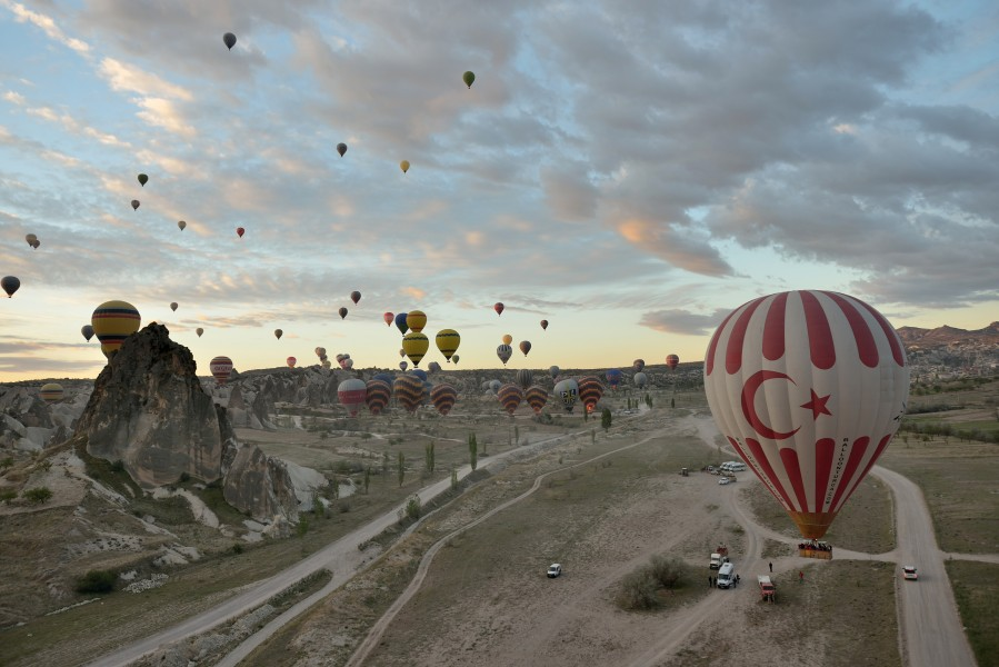 Hot air balloon start in Cappadocia 2014