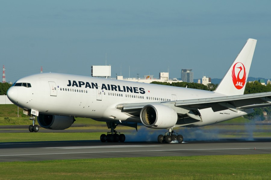 Japan Airlines Boeing 777-200 JA008D (9964230543)