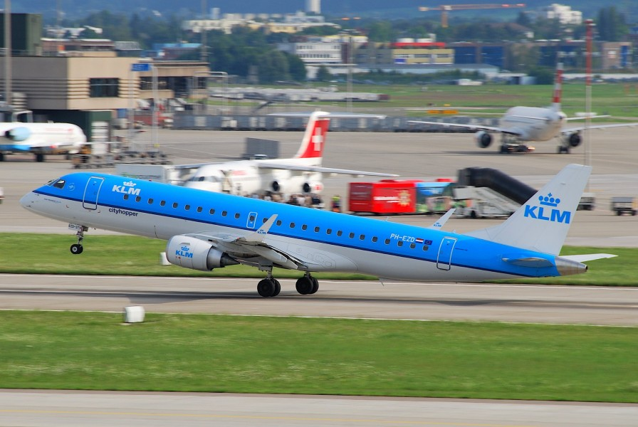KLM Cityhopper Embraer ERJ-190; PH-EZD@ZRH;31.07.2009 548cl (4327008931)
