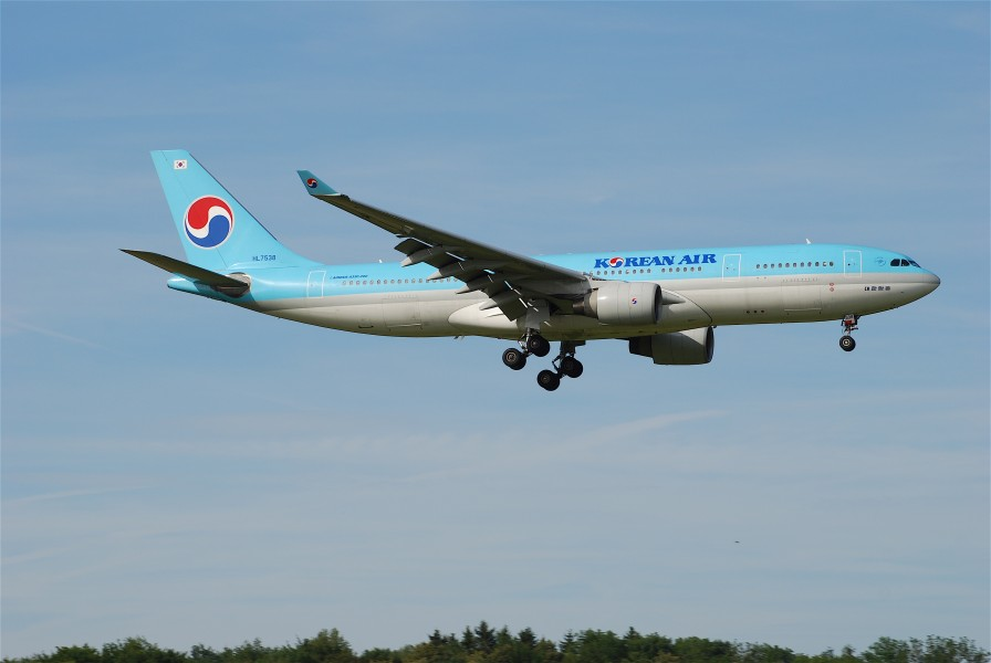 Korean Air Airbus A330-200, HL7538@ZRH,30.06.2007-473be - Flickr - Aero Icarus