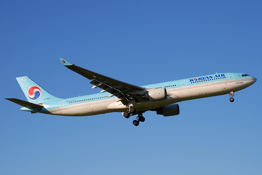 Korean Air Airbus A330-300, HL7554@ZRH,09.08.2008-525cy - Flickr - Aero Icarus
