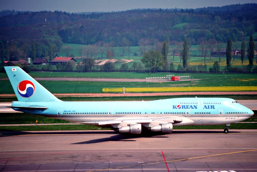 Korean Air Boeing 747-300; HL7468@ZRH, April 1990 (6161816153)
